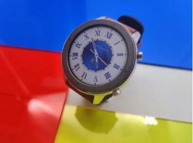 华米再添新成员:Amazfit GTR智能手表