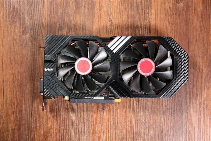12nm的AMD Radeon RX 590究竟长什么样呢?