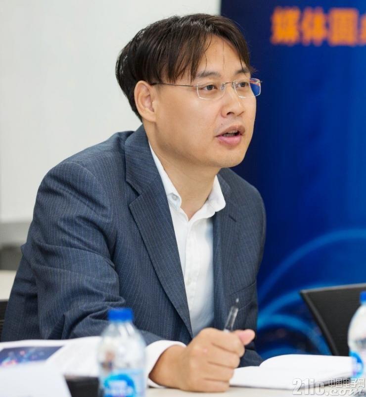 TE数据与终端设备事业部产品研发工程经理 Roger 宋志刚先生