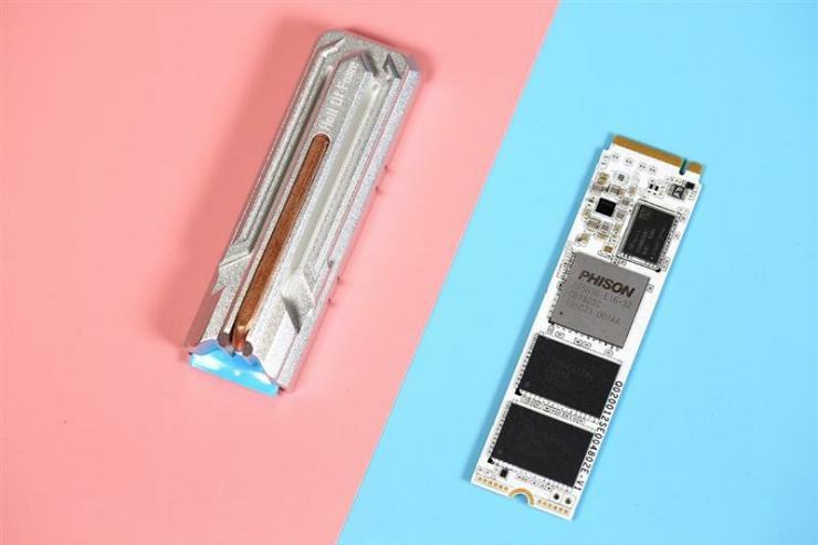 影驰HOF PRO 2TB SSD,全球最快,没有之一