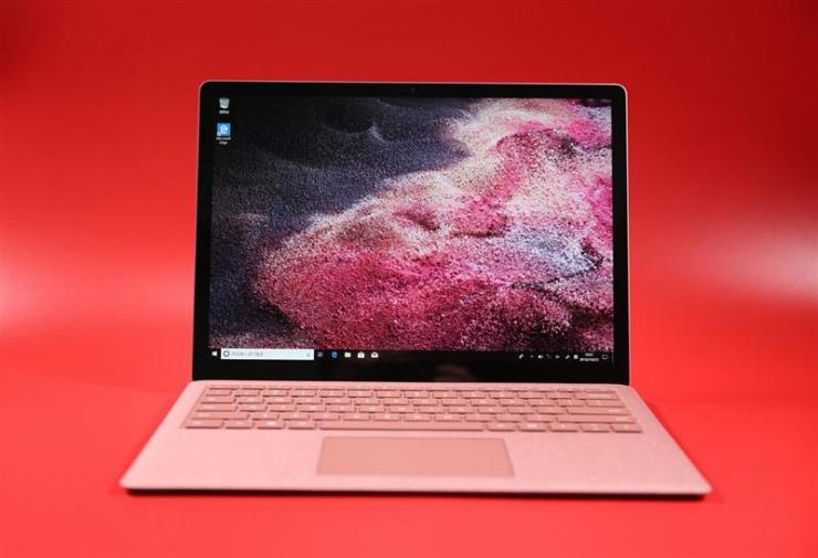 �擅�仙君,微软Surface Laptop 2