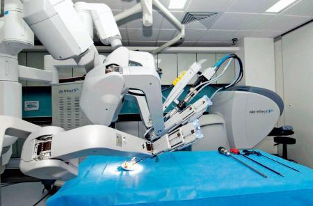 智慧医疗机器人的应用日益广泛