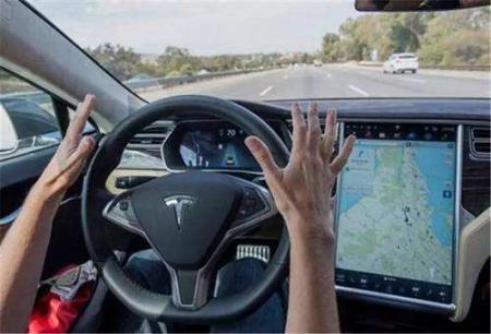 马斯克已为特斯拉全自动驾驶设定最后期限