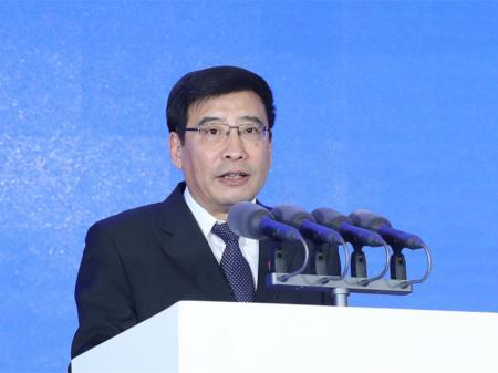 工信部部长苗圩:四举措推进中国智能网联汽车产业发展