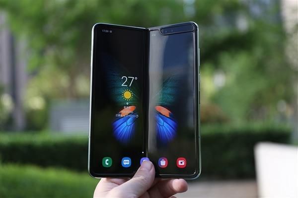 三星Galaxy Fold折叠屏手机爆发 明年将大幅产量