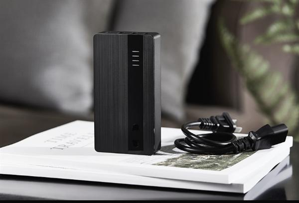 新神器现身:充电器+插座+充电宝