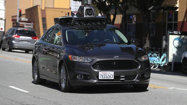 """5G时代皆有可能 无人车""""太惊艳了"""" """"这是怎么做到的""""?"""