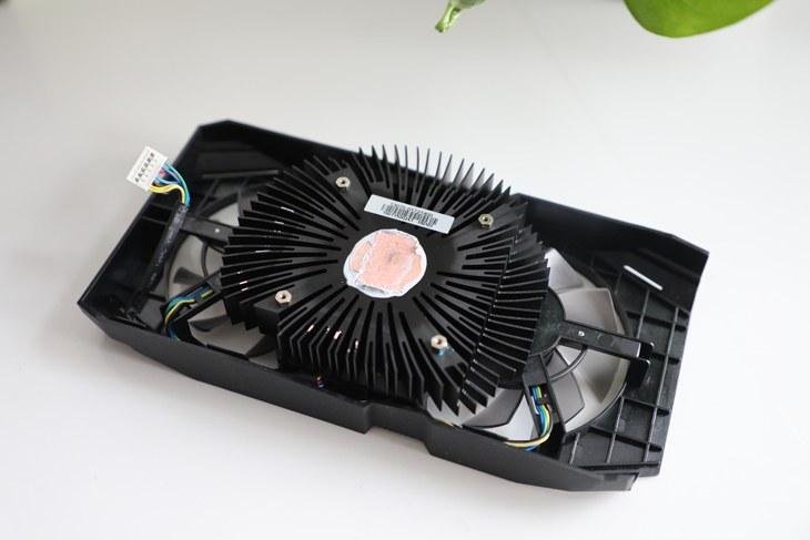 华硕显卡DUAL-GeForce GTX1660TI-O6G拆解