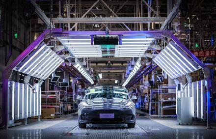 中国制造特斯拉Model 3今天交付,售价29.9万元起