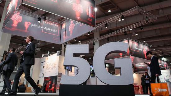"""5G元年手机竞争已然""""白热化"""" 谁会赢得未来?"""