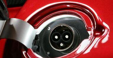 详解:特斯拉汽车的电驱动系统有何优缺点
