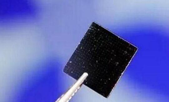 中国研制出超强电池:充电7秒续航35公里