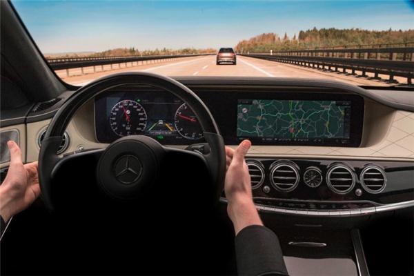 全新起航!梅赛德斯-奔驰将为S级轿车搭配最新半自动驾驶系统