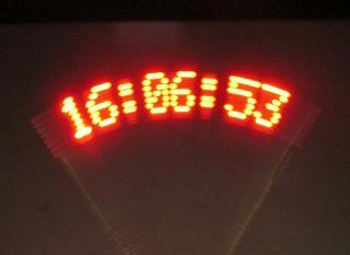 摇摆LED时钟的设计及制作方法