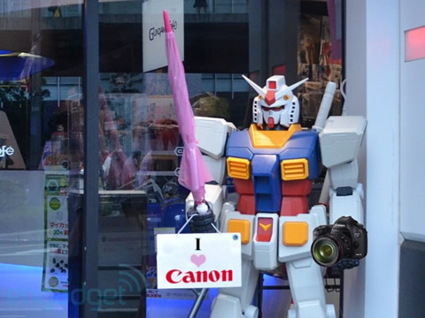 Canon:以后我们的相机就都是机器人组装的啦!
