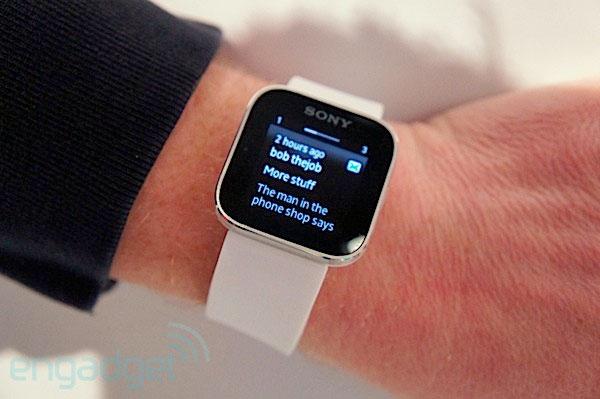 Sony Smartwatch 的 SDK 更新,加入开源音乐播放器和游戏扩展包的支持