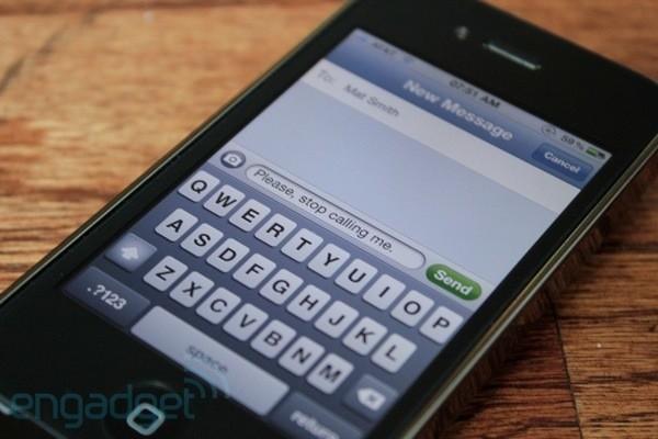 Ofcom 调查:「英国人发短信较说话多」
