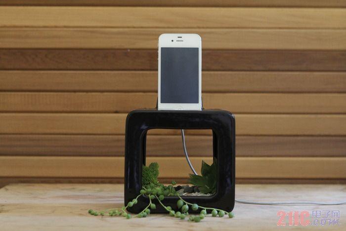 Bloombox:iPhone陶瓷底座,还能当花盆和扩音器