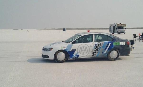 Volkswagen 2013 Jetta 创下混合动力车新速度纪录:298.3 km/h