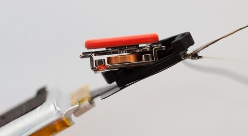 谷歌眼镜拆解:配570毫安电池不可更换