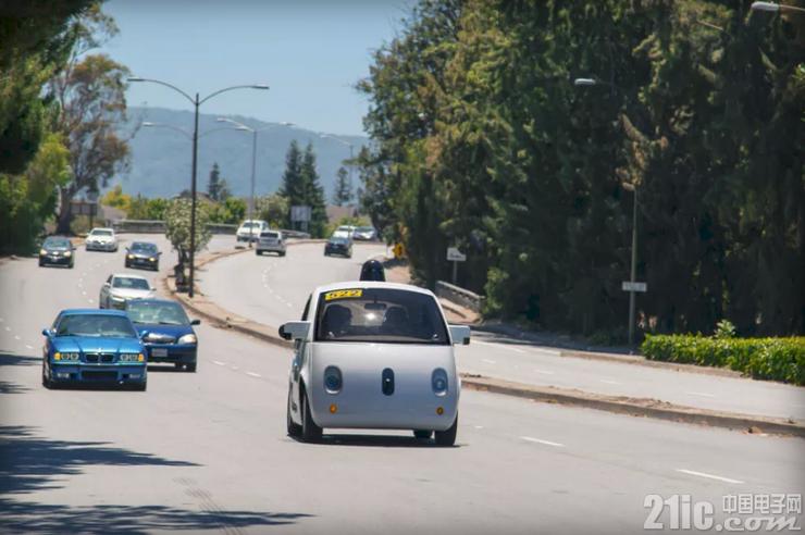 Google可爱的无人驾驶汽车,内部长啥样?