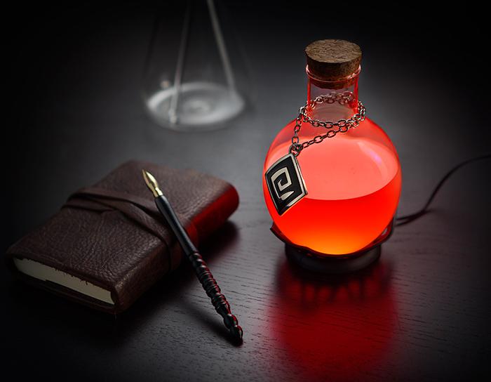 这个创意很酷!像游戏药水瓶一样的LED台灯