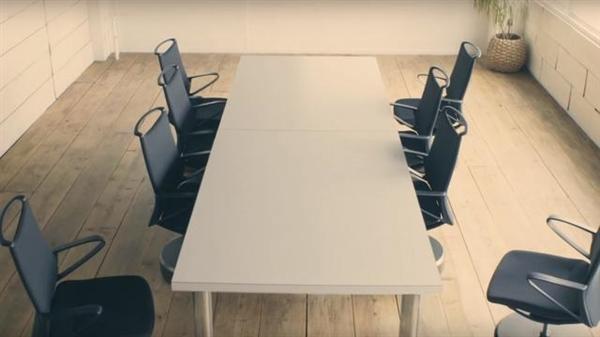 自动泊车还可以这么玩 能自动摆放归位的椅子