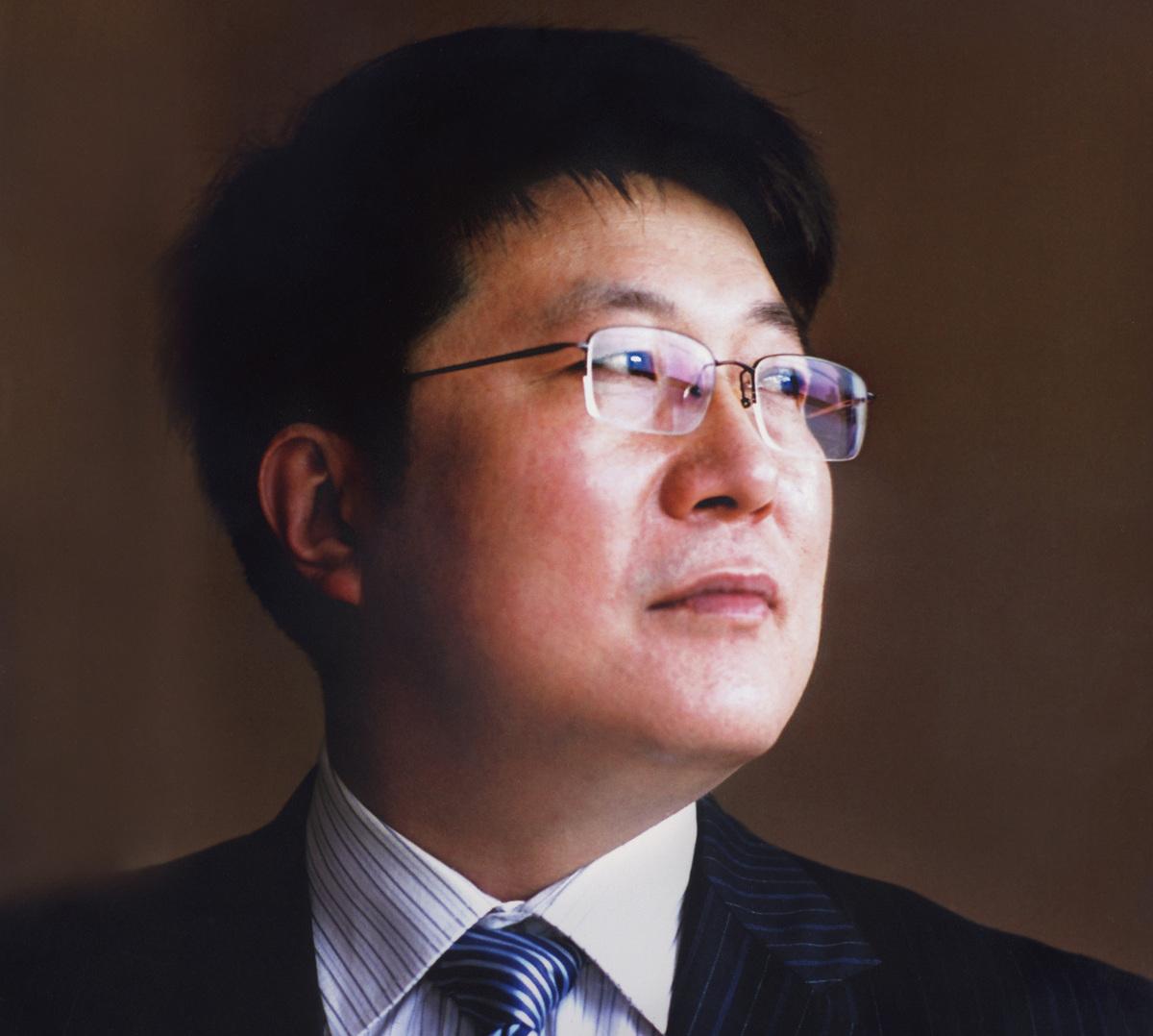 紫光怒砸300亿美元 誓做中国世界级芯片巨头第一人