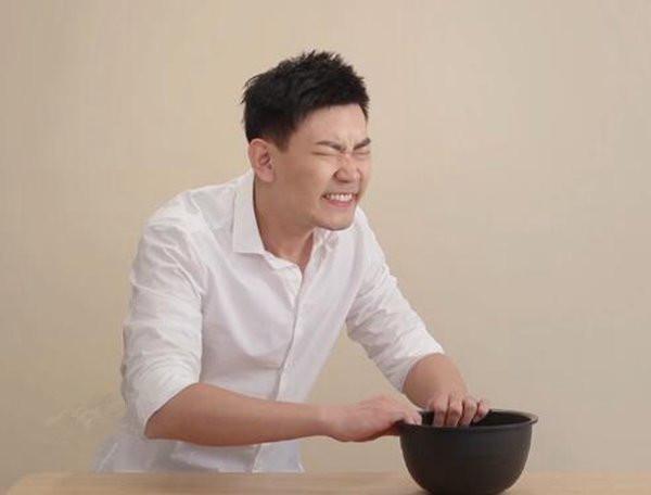 """小米""""粘锅难""""电饭煲再造势:这演技给几分?"""