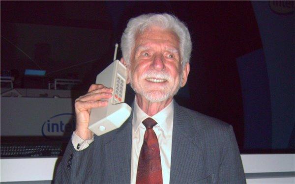 43年前第一部手机诞生:充电10小时,通话20分钟