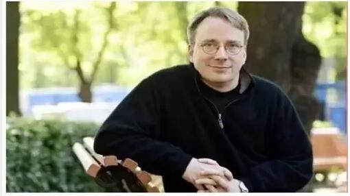 他的名字是Linus,他是所有程序员们的上帝