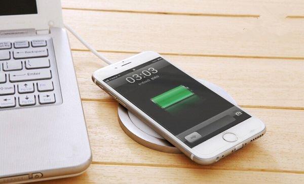 改变世界?iPhone8或将无线充电:已挖多名专家