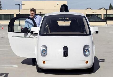 """谷歌调教无人驾驶汽车:遇到行人要""""打招呼"""""""