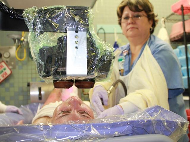 一副VR头盔,治愈你的头疼