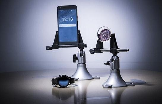 隐形眼镜变身黑科技,能与智能手机对话