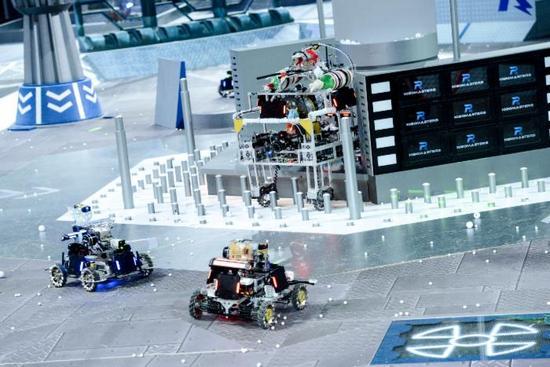 """大疆城会玩:看机器人如何组队打""""英雄联盟"""""""