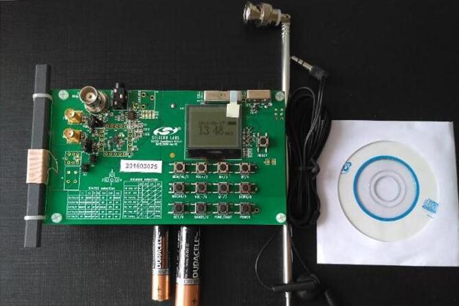 单片FM/AM频段广播接收芯片——Si4731Demo演示板评