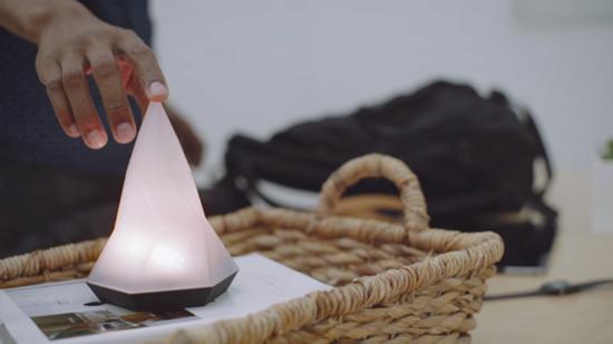 Peak:浑身散发着正能量的智能台灯