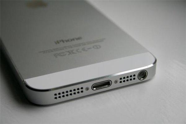 3.5mm耳机接口已经50岁,苹果淘汰古老技术不为过