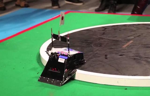 传统运动也走向智能化,日本推出相扑机器人
