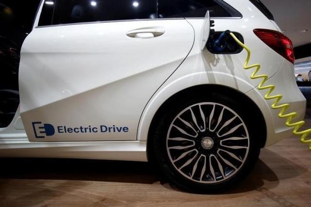 这是要干掉特斯拉,奔驰拟发布9款电动汽车