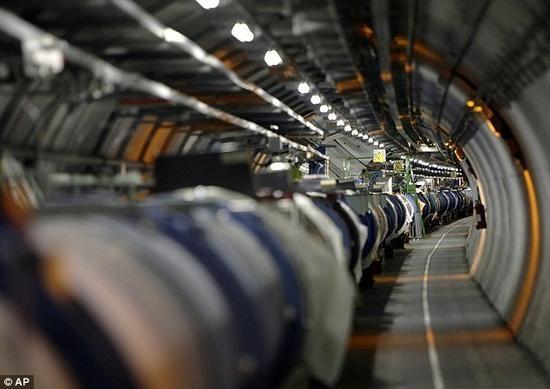 大型强子对撞机可能会引发地震?CERN愤怒否认