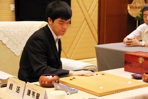 继谷歌AlphaGo赢了李世石后,柯杰8:2战绩轻取李世石