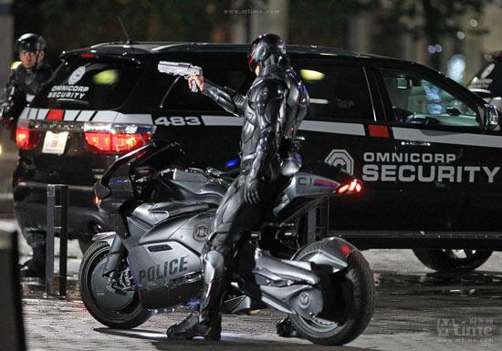 """韩砸200亿韩元开发""""多功能可穿戴增肌机器人""""警察"""