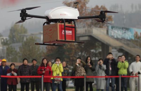 亚马逊怎么看,京东无人机送货已完成近万公里飞行里程
