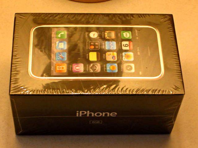 初代iPhone成古董,售价高达10万元!