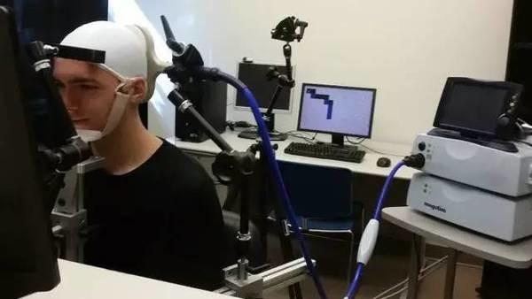 华盛顿大学正在研究直接连大脑的VR,刀剑神域指日可待?