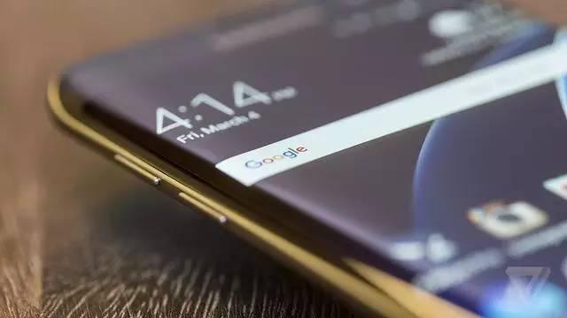 iPhone8曲面屏专利曝光 比三星实用不止一点啊!