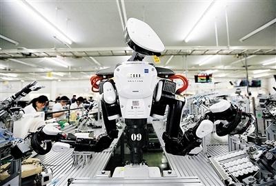 用工荒加老龄化 日本工厂逼着自己研发机器人