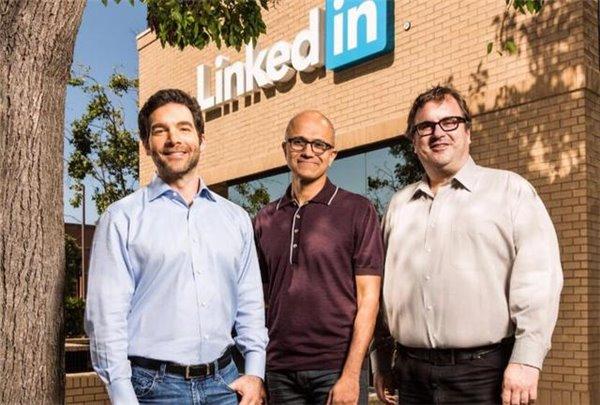 """微软CEO:行业太封闭 人工智能仍处于""""大型主机时代"""""""